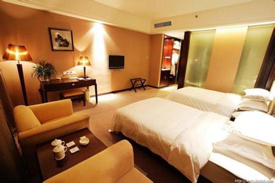 Phoenix Grand Hotel6