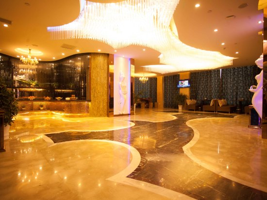 Peninsula Intercontinental Hotel6