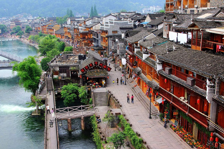 6 Days Deluxe tour in Zhangjiajie and Glass bridge and Fenghuang