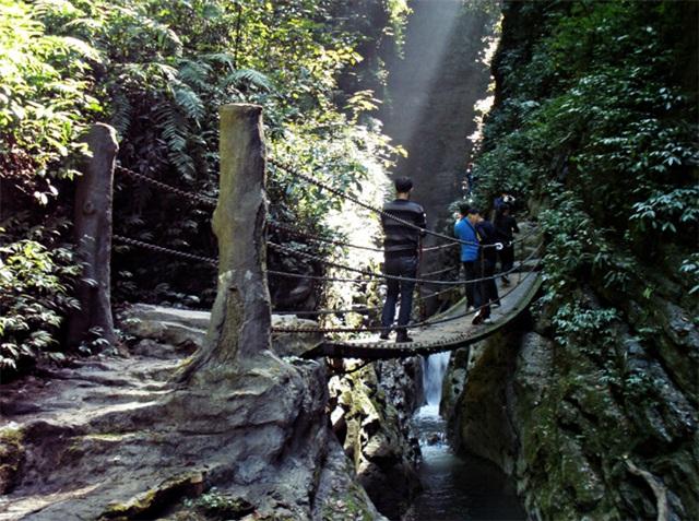 Zuolong Gorge2